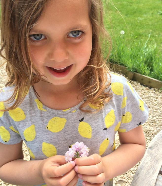 mia and lilacs